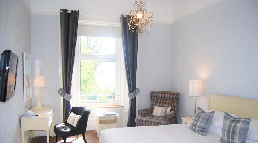 Accommodation in Fife at Kingswood Hotel Burntisland